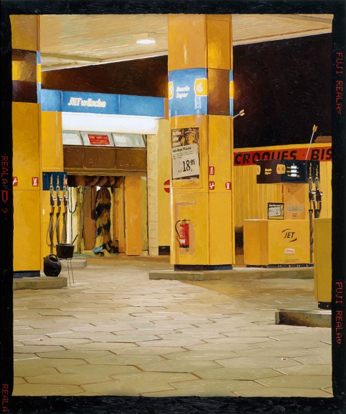 Tankstelle 537-6-1, oil on C-print, 120 x 100 cm, 2006