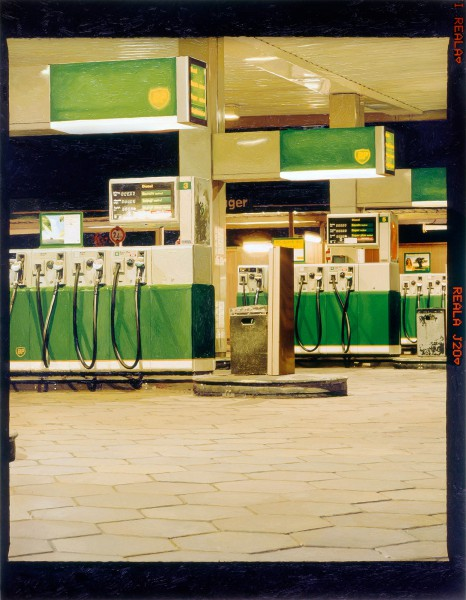 Tankstelle 538-4-1, oil on C-print, 117 x 90 cm, 2003