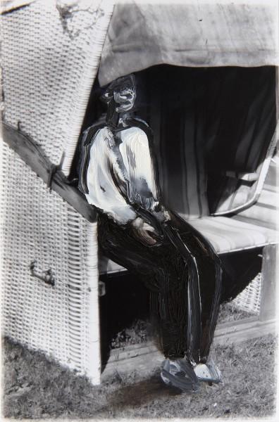 Figur 0-8-1, oil on silver gelatine print, 14 x 11 cm, 1996