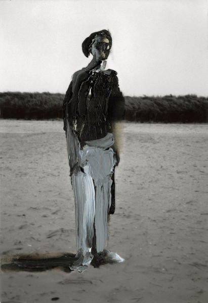 Figur 1-22, oil on silver gelatine print, 15 x 10 cm, 1994
